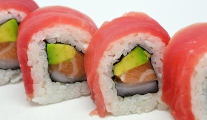 Sushi je tradičním japonským jídlem s tisíciletou historií